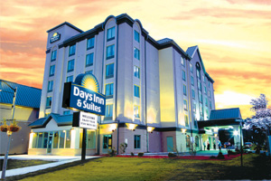 Days Inn & Suites by the Falls Niagara Falls